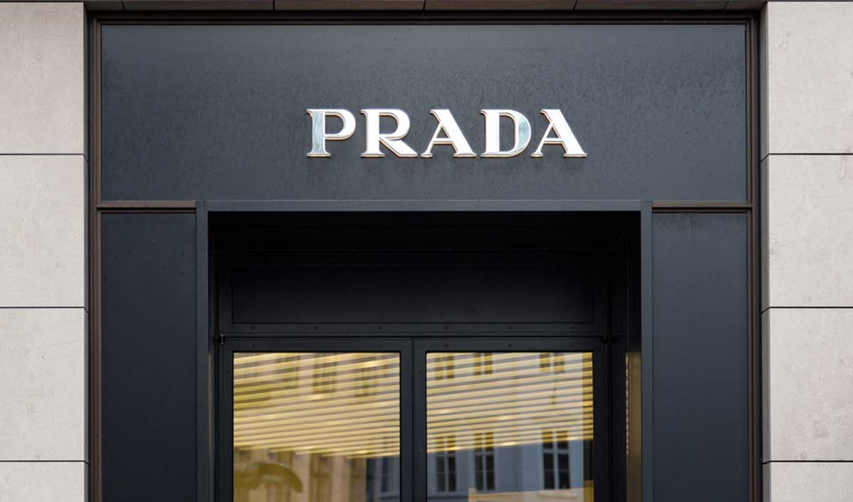 big sale ad51e 6d6b4 Prada expands its online presence in China