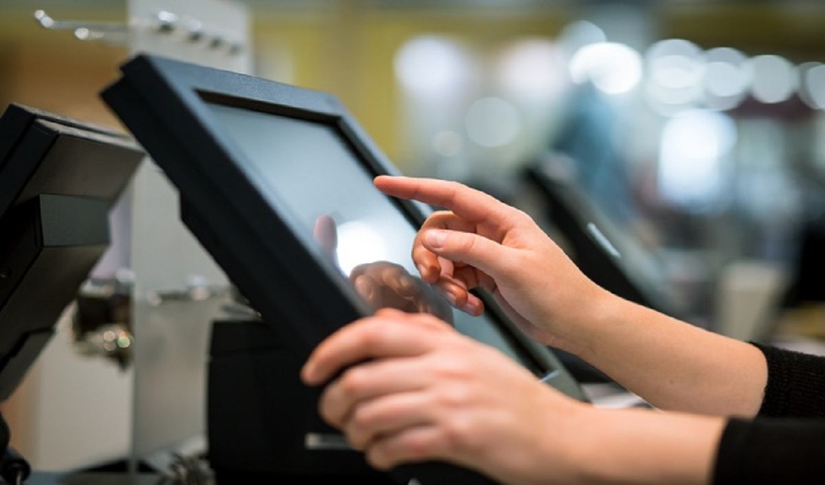 10 Things to Keep in Mind while Selecting the Right POS Machine for your Business