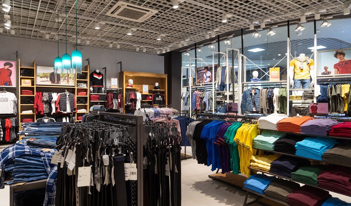 Retail Industry Witnesses De-Growth of 49 pc in April