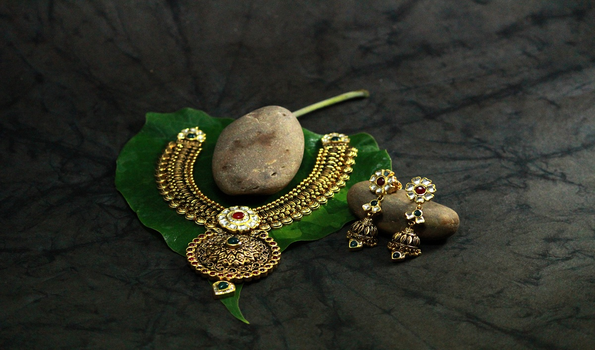 Revenue of Gold Jewelry Retailers Poised to Grow 12-14 pc