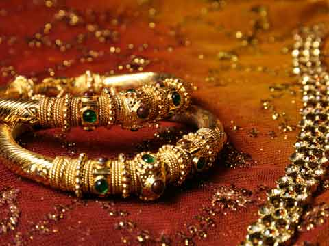 Govt hikes import tariff value on gold