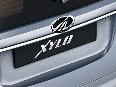 Mahindra set to launch three new vehicles in 2015