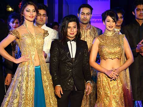 Aute-O Couture extravaganza by Ace Fashion Designer Sikandar Nawaz