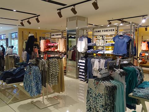 Lifestyle's Calicut store: A bonanza of colours