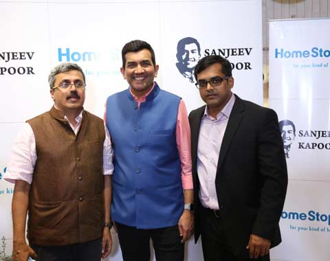 L-R---Mr.-Vikram-Chitnis,-(Customer-Care-Associate-&-Business-Head,-Home-Division,-Shoppers-Stop-Ltd.),-Chef-Sanjeev-Kapoor-and-Mr.-Vishal-Sinha,-Business-Head,-SK-Brands-Pvt.-Ltd.-at-the-launch-at-Homestop