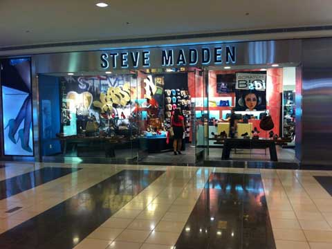 Golpe fuerte correr Chicle  Steve Madden opens its first store in Gujarat at Vadodara