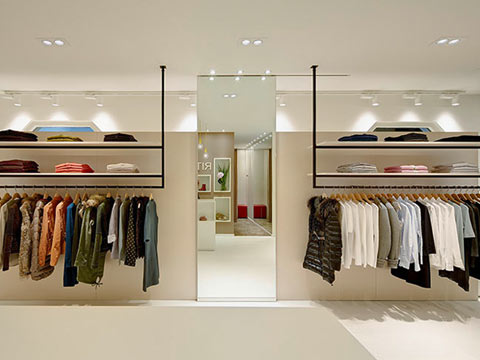 How brick and mortar retailers can create 'real-time' customer experiences?