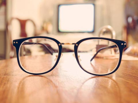 How budget eyewear retailers are grabbing the attention from investors?
