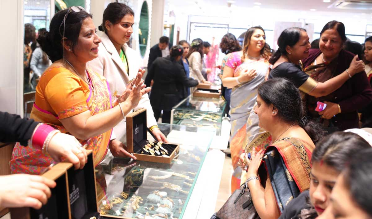 Amyra Jewels by ODHNI launches its flagship store