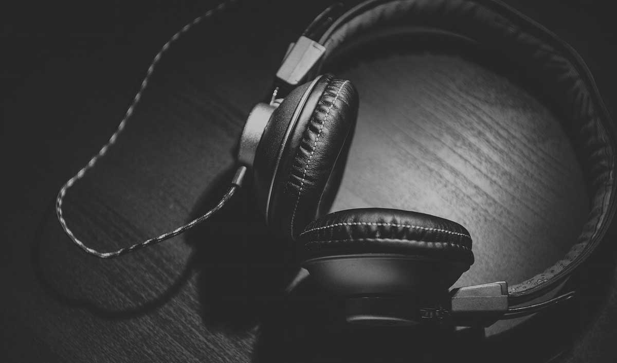Ghaziabad gets its 1st ever luxury music experience store, The Music Life
