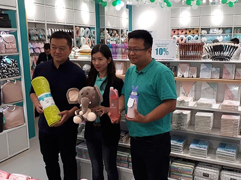We aim to open 200 stores over next two years:  Dabin Wang