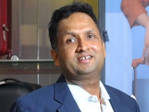 """We aim to manufacture 25 lac bags per annum"": Tushar Jain"
