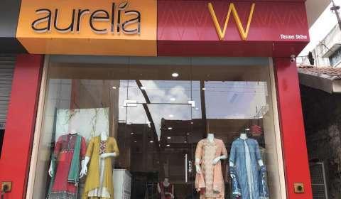W & Aurelia
