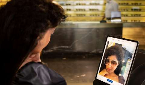 Luxottica brings its global digital revolution in eyewear retailing to India