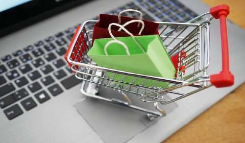 What are the trends that are seen this year for online shopping?