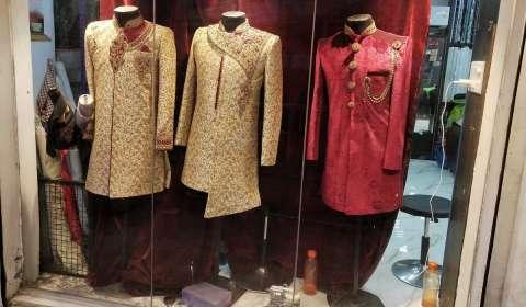 Aditya Birla Fashion Partners with Designer Tarun Tahiliani; to Enter Men's Ethnic Wear Category