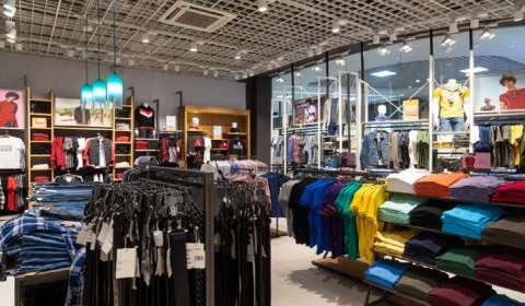How Value-Retailers Are Capturing Consumers Across Bharat?