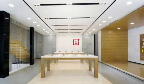 OnePlus Opens its First Experience Store in Mysore