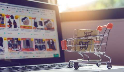 Impact of Customer Reviews on E-commerce Sales