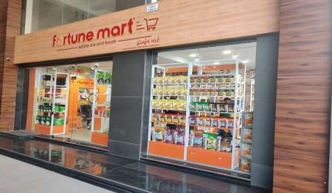 Adani Wilmar Unveils Fortune Mart Stores, Aims Pan-India Presence