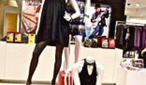 Retailers VM push to cash in on festivity