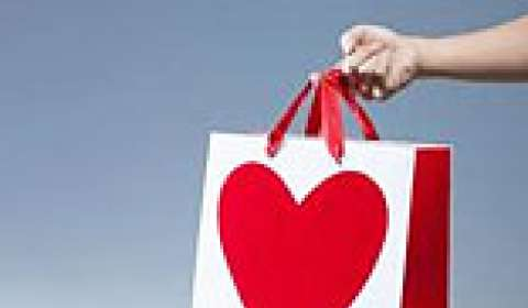 Retailers cash in on V-Day