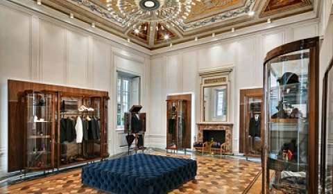 In Pics: Dolce & Gabbana Store Enlivens Classic Luxury