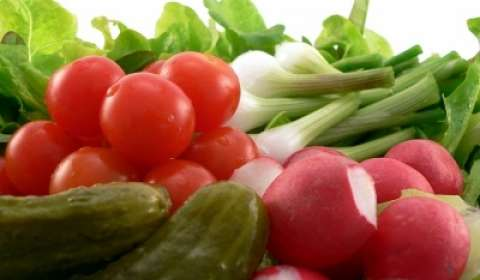 Delhi:Tomato prices skyrocket to Rs 70 per Kg, Onion to Rs 40 Per Kg