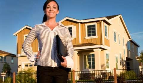 Akshaya Tritiya 2015 to see more women investing in real estate over gold