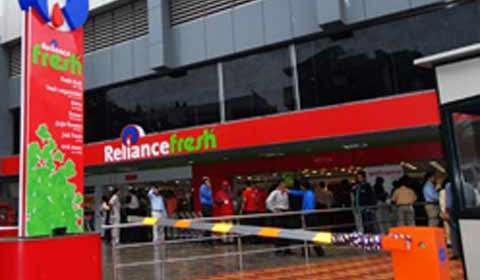 Reliance Retail likely to borrow Rs 4,500cr for e-comm boost