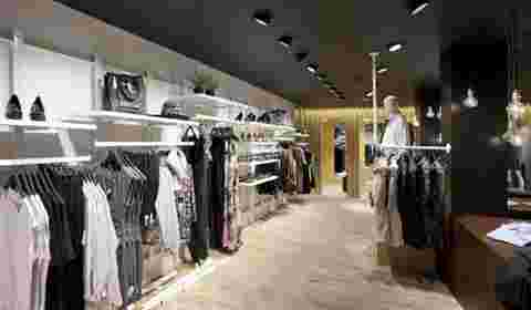 How Smaller Retailers Are Thinking Beyond Fashion Weeks for #fashion to Compete