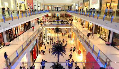 How Retail Malls Are Gearing Up To Compete against E-commerce?