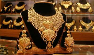 Corona hits India's fashion and jewellery markets, brands brace for impact