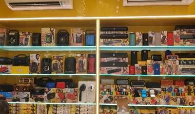 Gadgets Accessories Brand U&i Expands Presence in New Delhi
