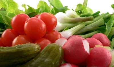 Delhi:Tomato prices skyrocket to Rs 70 per Kg, Onion to Rs 40 Per Kg