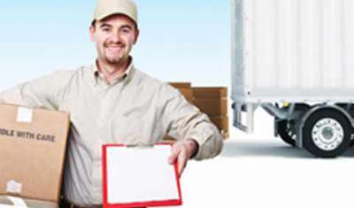 E-tailers strating their own logistics networks