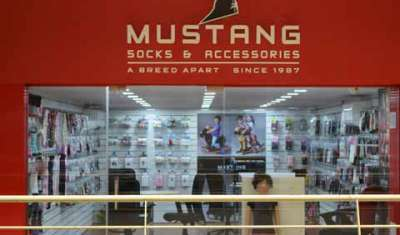 Mustang inaugurates Wholesale Store in Dadar