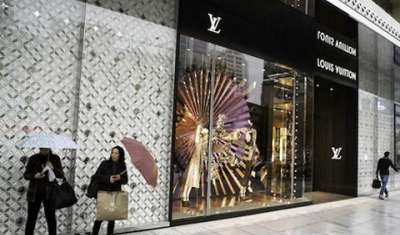 How retailers can deal with counterfeit luxury?