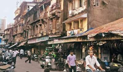 How neighbourhood markets in Mumbai are struggling?